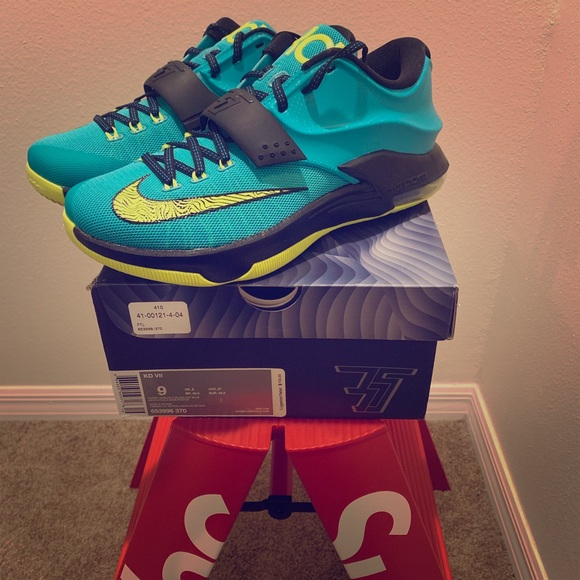 the latest 87649 3dcbc Nike KD Kevin Durant 7 - Uprising NWT